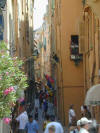 picture of a very narrow side stree in Monaco